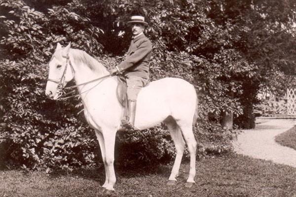 Theodor Fries zu Pferd